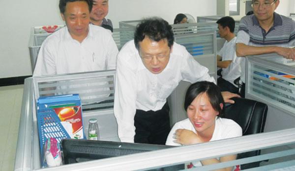 科学技术部农村中心副主任陈良玉视察公司