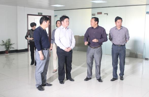 省农业厅涂胜华厅长莅临亚博app官网公司调研农产品冷链物流运行情况